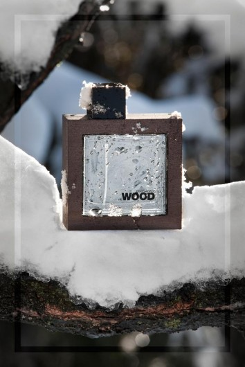 Wood. Dsquared fragrance perfume photography.
